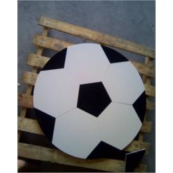 balon en compacto blanco y granito negro