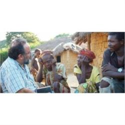 La Fundación Bangassou dona leche infantil para más de un año al centro Ave María