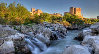 El río Tormes a su paso por el Puente de